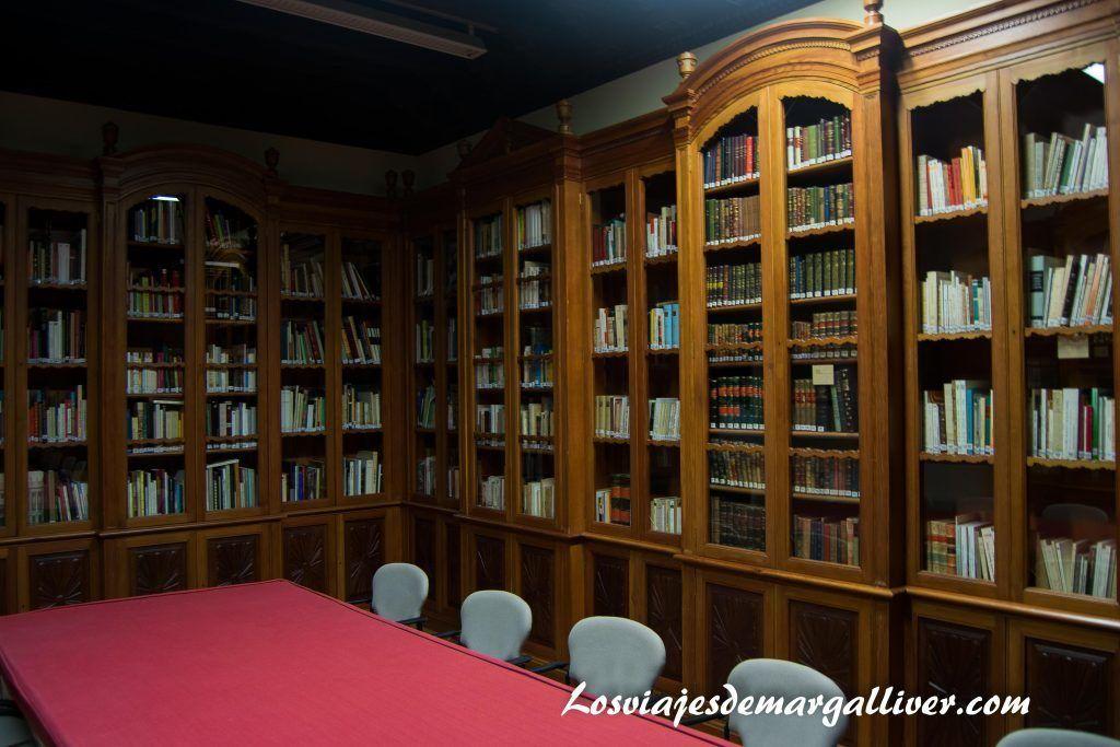Biblioteca del hospital de los venerables en Sevilla - Los viajes de Margalliver